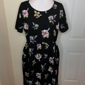 Honey and Lace Windsor Dress Black w/Floral XL